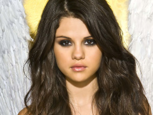 Photo shoot with one of the hottest teen star Selena Gomez